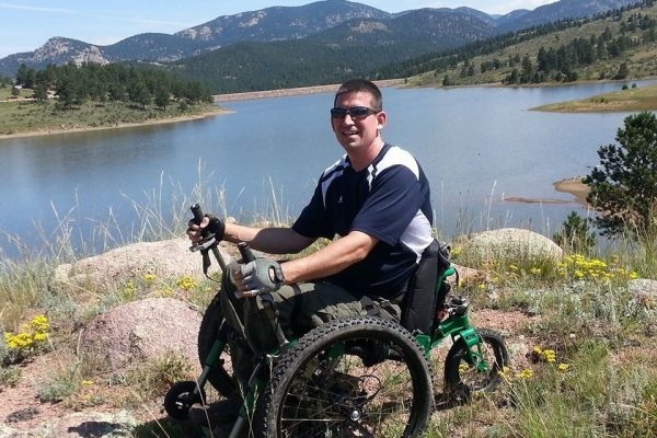 Exploring Colorado, USA thanks to his Mountain Trike off road wheelchair